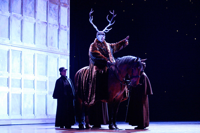 Rupert the horse and Ambrogio Maestri in Falstaff © Catherine Ashmore/ROH 2012