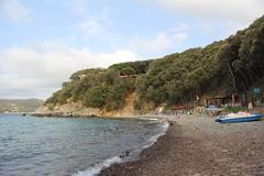 (David Locke) Tags: elba paolina isoladelba spiaggia beach stones boats sea water waterfront shore coast