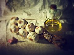 Bodeg amb all i oli 2 (iban_g_g) Tags: stilllife food color colour nikon all comida textures aceite bodegn oil garlic texturas oli menjar ajo bodeg d5000