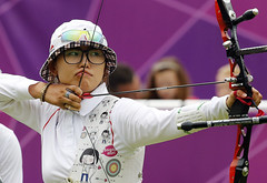 Korea_London_Olympic_Archery_Womenteam_13 (KOREA.NET - Official page of the Republic of Korea) Tags: london gold korean archery olympic southkorea  goldmedal rok 2012 republique   kpop  republicofkorea  teamkorea    2012londonolympic 2012londonolympics   koreanteam rpubliquedecore poblachtnacir cir  republiquedecoree koreanet kccuk 2012londonolympicgames 2012  taekwondo
