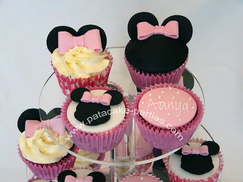 Minnie Mouse Cupcakes close-up