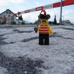 Piraten belagern unser Dorf #etziken #pokipsie365 #solothurn (martin.rechsteiner) Tags: ifttt instagram legobrick lego