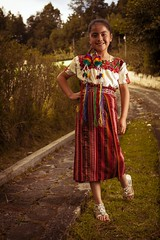 tipico_56 (edyn81) Tags: nia mujer trajeindigena maya atitlan mirador folclor guatemala traje blusa corte