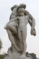 The Oath of Spartacus (Rick & Bart) Tags: paris france city urban jardindestuileries theoathofspartacus lesermentdespartacus spartacus louisernestbarrias sculpture statue rickvink rickbart canon eos70d gnneniyisi thebestofday
