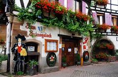 un petit coucou d'Alsace ! (jeanpierrefrey) Tags: dcors restaurant obernai alsace