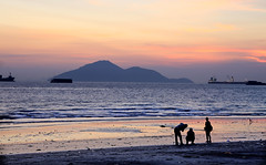 Enjoy the sunset - On Explore 3 Sept 2016 (kyuen13) Tags: