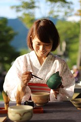 Matcha art by Megumi at Wazuka summer festival (Obubu Tea Farms) Tags: festival greentea japan japanesetea kyoto matcha summerfestival teafestival wazuka