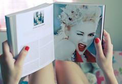 Gwen Stefani ♥ (Natália Viana) Tags: book nodoubt gwenstefani fashionnow fashionbook natáliaviana