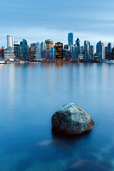 Lonely Rock (boingyman.) Tags: canada rock vancouver canon cityscape bc stanleypark bluehour scape 1022 uwa t2i boingyman