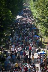 Labor Day Celebration (Ivan Klindi) Tags: park dan canon beans day labor may first croatia bean celebration zagreb 28 tamron 70200 maksimir rada maj carnations grah karanfili prvi proslava 40d svibanj