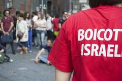 tn__DSC0441Pulcinella in Palestina (Cau Napoli) Tags: noa palestina israele piazzasandomenico boicottaggio napoliteatrofestival guarrattelle pulcinellainpalestina brunoleone napolistayhumanfestival