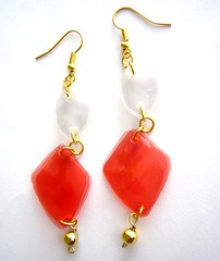 White and red (d'ekoprojects) Tags: ecofriendly upcycled recycledjewelry ecofriendlyjewelry upcycledjewelry recycledplasticbottle upcycledearrings plasticbottlejewelry