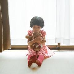 *my girl (fangchun15) Tags: 120 6x6 film zeiss kodak bronica s2 80mm portra400 anri bronicas2 杏里
