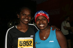 """Anna and Nicky before the 10km • <a style=""""font-size:0.8em;"""" href=""""https://www.flickr.com/photos/64883702@N04/7499495044/"""" target=""""_blank"""">View on Flickr</a>"""