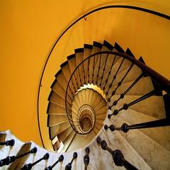 La scatola (meghimeg) Tags: yellow stairs square box gelb giallo scala scatola 2012 savona quadrata