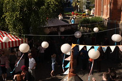 finders keepers brisbane (deepwarren) Tags: balloons locals markets brisbane flags brisvegas 2012 keepers finders finderskeepersmarkets
