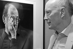 When Professor Robert Mair met Sir Harold Pinter (Sir Cam) Tags: cambridge portrait blackandwhite university exhibition professor retrospective haroldpinter pittbuilding clivebarda civilandenvironmentalengineering robertmair