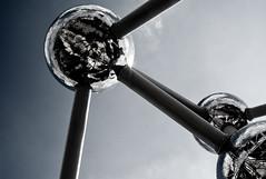 Atomium, at last! (Arnaud P-L.) Tags: leica belgium belgique bruxelles m8 28 brussel atomium vg centenaire