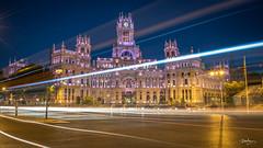 Plaza de Cibeles, Madrid (Bommer60) Tags: plazadecibeles palaciodecibeles madri comunidaddemadrid spain bluemoment lightstreams nikond750 longexposure night nightsky