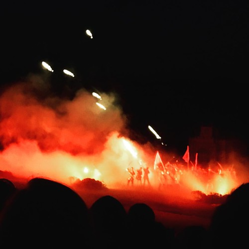 Harold's archers attacking the Vikings @ Kynren last night - what a brilliant, brilliant thing for Bishop Auckland to have done 💕