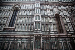 Duomo Walls (cookedphotos) Tags: canon 5dmarkii travel italy florence firenze duomo walls green white marble window