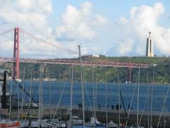 Ponte 25 de Abril (SeppoU) Tags: portugal canon lisboa lisbon snapshot tourist april lissabon turisti portugali huhtikuu top20bridges npsy copyleftby seppouusitupa