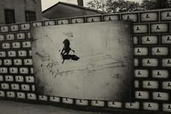 + living for (call me a dream(er)) Tags: black muro blanco wall photo kid mural paint y withe negro graffity photograph nio pintura fotografa