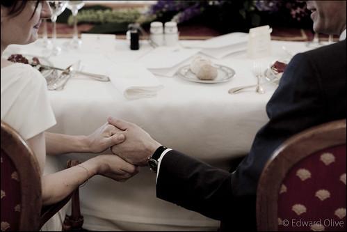 Foto de pareja de novios en una boda en el Hotel Ritz Madrid - Edward Olive fotografo bodas