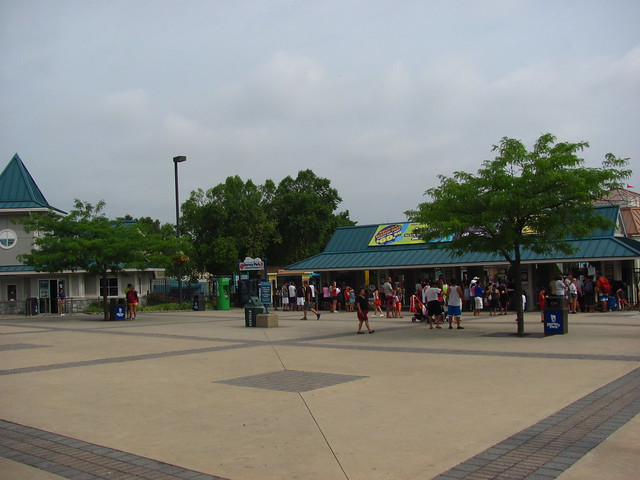 "Dorney Park 002 • <a style=""font-size:0.8em;"" href=""http://www.flickr.com/photos/32916425@N04/7616921394/"" target=""_blank"">View on Flickr</a>"