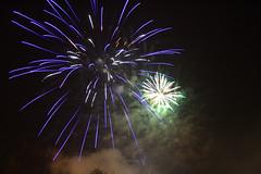 Sztuczne ognie (j@cek) Tags: fireworks events poland polska wieliczka feuerwerk feudartifice pologne maopolska veranstaltungen polsko ohostroj sztuczneognie vnements saltcity dniwkingi solnemiasto