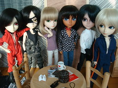Ewan y los Black Dogs (Lunalila1) Tags: horse sol tom caballo doll sebastian native indian group chinese bad damien teacher american ewan chinois yago lao huei chino xina oneal kain pereira basara alberic terco taeyang cavalie tatsuha motochika kuroshitsuji segoku chosokabe ormendia