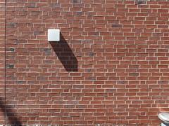 Wrfelzucker (mkorsakov) Tags: city shadow red white rot lamp wall square lampe wand minimal weiss schatten mnster innenstadt quadrat