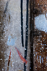 Urban Art #7 (Maxi Winter) Tags: urbanart arturbain urbanekunst harbor hafen port mtal metal metall colors couleurs dots punkte paint peinture wandfarbe farbe splatters spritzer points claboussures rust rusty rost rostig rouille rouill dispers runnypaint blue bleu blau rot red rouge noir schwarz black white weis blanc brown braun brun dirt saloperie schmutz streifen brushstrokes pinselstriche traitsdepinceau