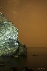 Via Lactea (Lisa Claros) Tags: maro la alberquilla via lactea mar sea playa spain rocks rocas sky cielo malaga stars estrellas