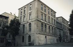 Le Pavillon Daviel  @  Marseille (sunnybille) Tags: 2015 canon marseille frankreich france lepavillondaviel architektur architecture fassade facade perspektive sw bw nb