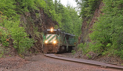 7 Tilden at the rock cut (GLC 392) Tags: 0700 7am 7 tilden lsi lake superior ishpeming eagle mills junction negaunee mi michigan rock cut ge c307 u30c 3000 3074 clouds railroad railway train