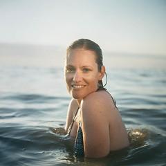 10010.jpg (Gerry Dac) Tags: film analog rolleiflex portra kodak filmisnotdead beach sea water