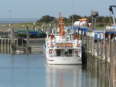 Langeoog 1 - Seebderschiff (achatphoenix) Tags: langeoog bensersiel ostfriesland eastfrisia eau water wasser waddensea wattenmeer schiff ship ferry aqua
