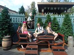 Disneyland Paris 2016 (Elysia in Wonderland) Tags: disneyland paris 2016 france disney land elysia joe lucy holiday frozen sled sleigh olaf sven