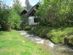 Igls Beekje en boerderij (Arthur-A) Tags: farmhouse barn river austria tirol oostenrijk beek stable tyrol boerderij schuur rivier stal igls