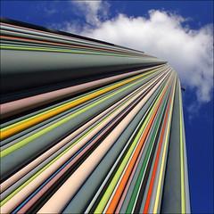 - paris square - (Jacqueline ter Haar) Tags: paris lines colours diagonal parijs ladfense moretti chemine lijnen kleuren raymondmoretti esplanadenord esplanadedugnraldugaulle
