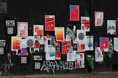 Campagne lectorale (Edgard.V) Tags: paris france caf rain bar restaurant la canal bills restaurante chuva pluie pioggia villette cartazes campanha eleitoral affiches