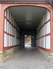 (:Linda:) Tags: door germany village open thuringia archway halftimbered fachwerk timberframing unterland gleichamberg