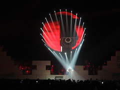 Roger Waters performs The Wall (Peter Hutchins) Tags: dc concert live pinkfloyd thewall 2012 rogerwaters snowywhite gesmith davekilminster joncarin harrywaters marklennon kipplennon patlennon grahambroad robbiewyckoff jonjoyce