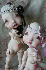 Egglantyne et Colombyne font connaissance (heliantas) Tags: doll body handmade bjd kane humpty dumpty blushing faceup nefer