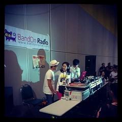 ป้าวาส กับ DJ Seed ไปจัดรายการทางวิทยุออนไลน์ bandonradion.com