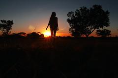 (papilionoidea_) Tags: summer sun sunset pordosol me girl silhouete silhueta