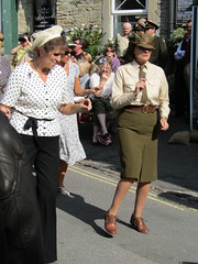 Grassington 1940s Weekend 18.9.2016 (8) (bebopalieuday) Tags: yorkshiredales wharfedale grassington 1940sweekend dancing glennmiller forestersarms mainstreet northyorkshire