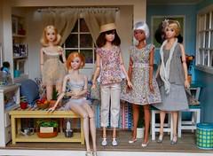 Spending a Nice Time Together (Girl Least Likely To) Tags: momoko closeclippedsheep ccs sekiguchi asianfashiondolls okunkio jiajiadolls etsy rement minigamja miniatures diorama dollhouse dollscene dollroom bedroom livingroom office toys dolls