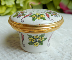 Halcyon Days English England Enamels Trinket Pill Box ~ Love To Mother (Donna's Collectables) Tags: halcyon days english england enamels trinket pill box ~ love to mother